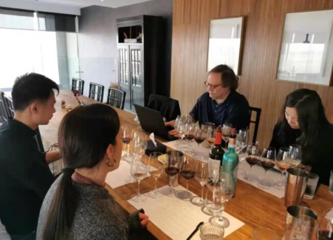 在中国表现亮眼的葡萄品种有哪些?知名酒评家达加塔告诉你